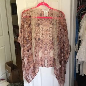 BCBGeneration kimono with lace details